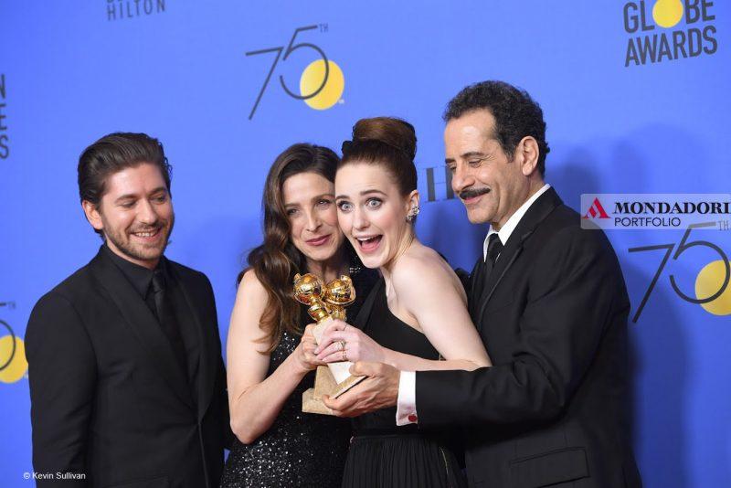 "Michael Zegen, Marin Kinkle, Rachel Brosnahan e Tony Shalhoub, del cast di ""The Marvelous Mrs. Maisel"""