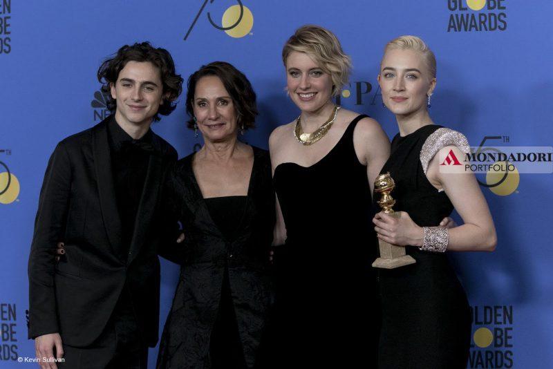 "Golden Globes - Greta Gerwig, regista del film ""Lady Bird"", insieme agli attori Timothee Chalamet, Laurie Metcalf e Saoirse Ronan."