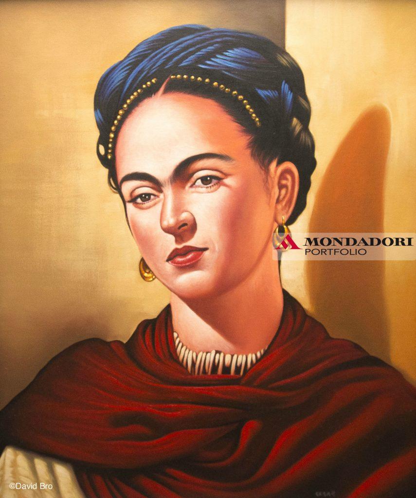 Orange County, California, U.S - Un dipinto a olio raffigurante Frida Kahlo, realizzato da un artista anonimo, trovato in Orange County, California.