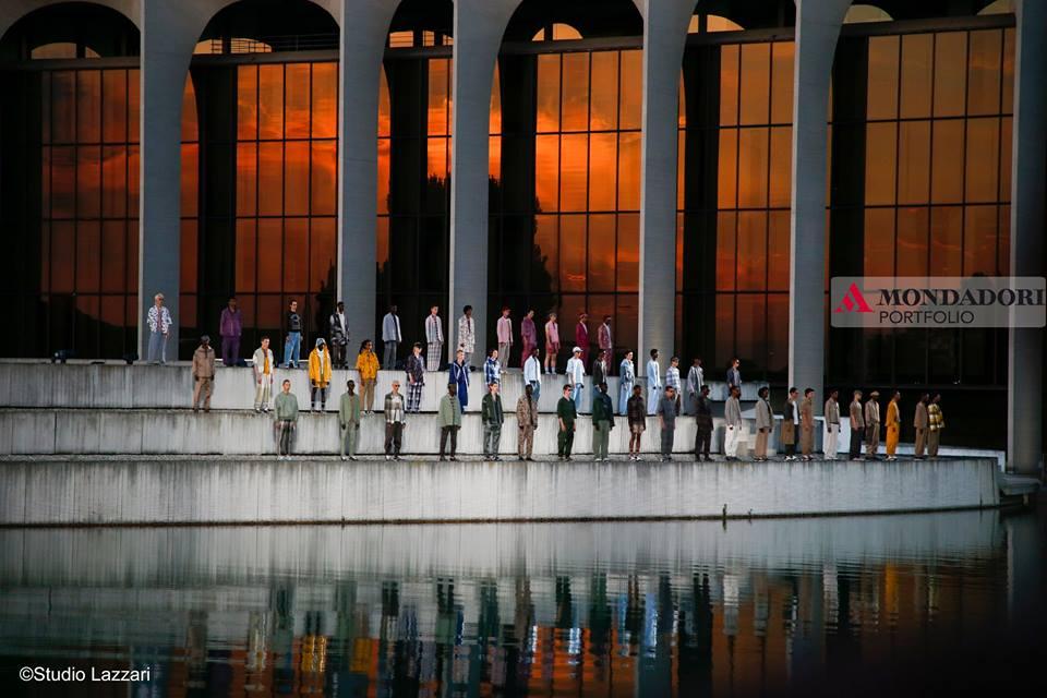 A giugno nella cornice del prestigioso Palazzo Niemeyer, sede della Mondadori, abbiamo assistito alla bellissima sfilata di Ermenegildo Zegna.