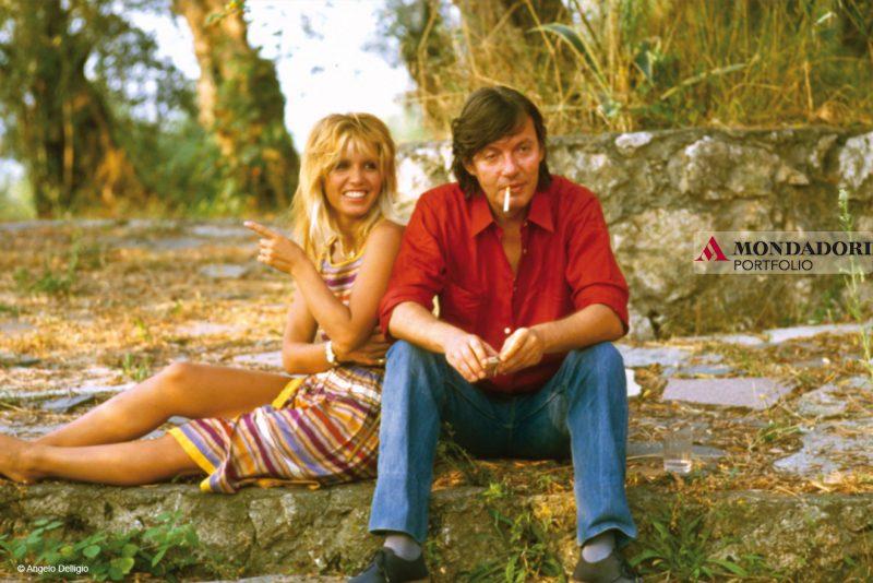 Il cantautore insieme alla cantante e compagna Dori Ghezzi nel 1981.
