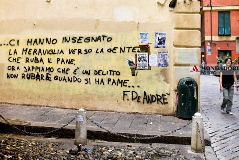 """La memoria di Fabrizio De André è ancora viva in tutta Italia e in particolare nella sua città, Genova. Qui una parte del testo della canzone """"Nella mia ora di libertà""""."""