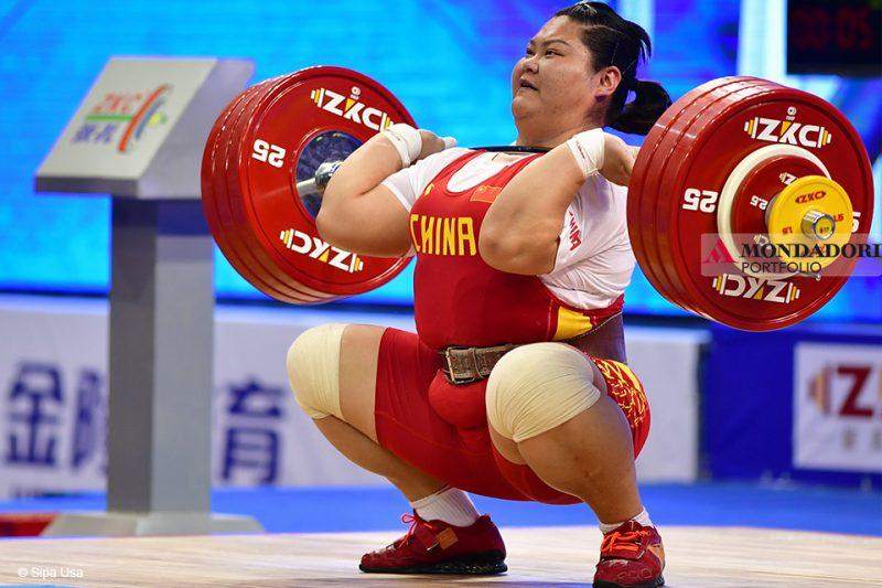 Meng Suping, sollevatrice cinese, vincitrice della medaglia d'oro olimpica nella categoria + 75 kg ai Giochi di Rio de Janeiro 2016.